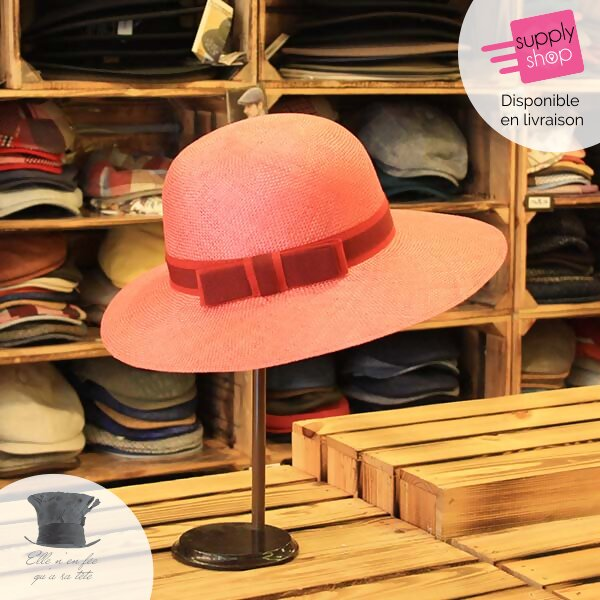 chapeau rose elle n'en fée qu'à sa tête caen
